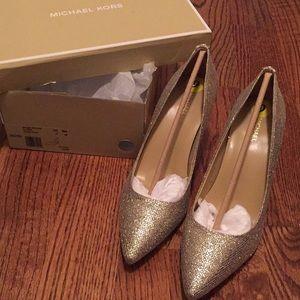 Michael Kors mid pump glitter heels - size 7- new